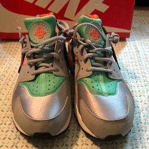 Women Nike Air Huaraches